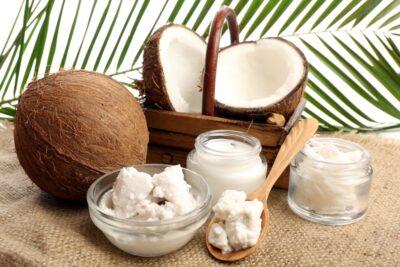 Масло и скрабы из кокоса для молодости кожи