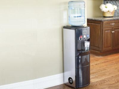 Как выбрать напольный кулер для воды