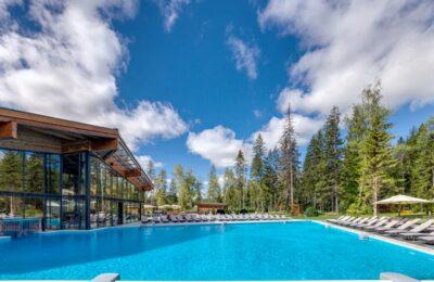 Выбираем базу отдыха с бассейном в Подмосковье