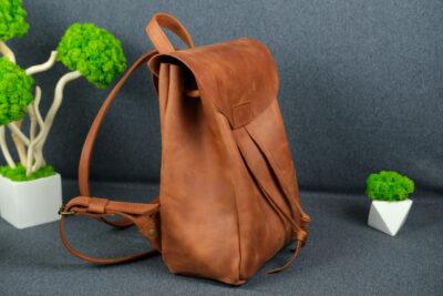 Выбираем стильный и практичный женский рюкзак
